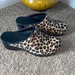 Sanita Size 38/8 Leopard Print Leather Clogs